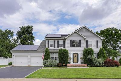Eatontown Single Family Home For Sale: 5 Alexandria Court