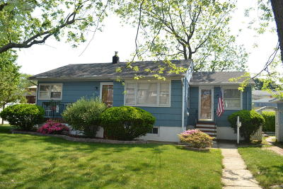 Point Pleasant Beach Single Family Home For Sale: 310 Cooks Lane