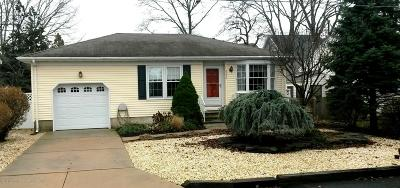 Point Pleasant Single Family Home For Sale: 2230 Middle Avenue