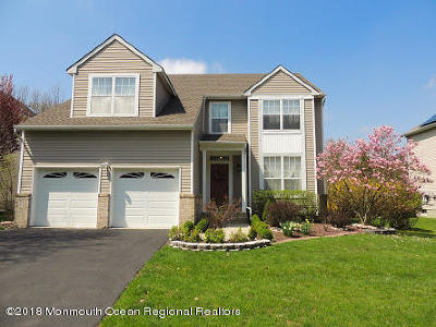 Holmdel Single Family Home For Sale: 12 Mulberry Lane