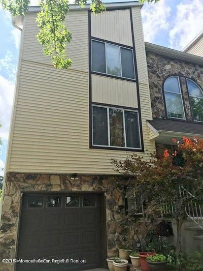 Condo/Townhouse Under Contract: 82 Lone Star Lane
