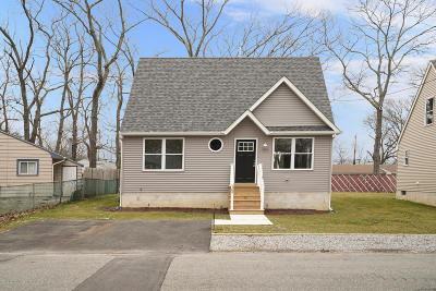 Toms River Single Family Home For Sale: 569 Sica Lane