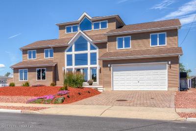 Brick Single Family Home For Sale: 98 Cedar Island Drive