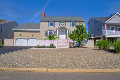 Toms River Single Family Home For Sale: 10 Pilot Road