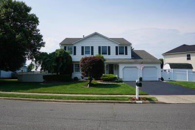 Howell Single Family Home For Sale: 22 Davids Lane