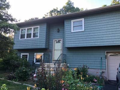 Toms River NJ Single Family Home For Sale: $244,900