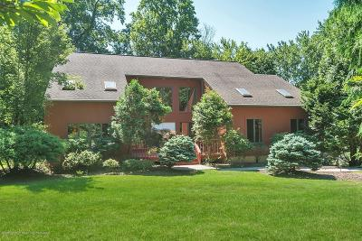 Holmdel Single Family Home For Sale: 23 Sherwood Court