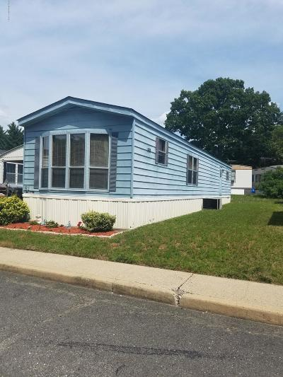 Hazlet Single Family Home For Sale: 81 Shore Haven Road