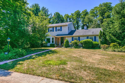 Monmouth County Single Family Home For Sale: 27 Downing Court