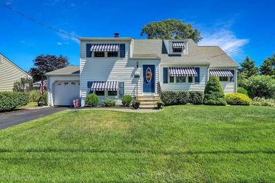 Point Pleasant Single Family Home For Sale: 2215 Mahoney Drive