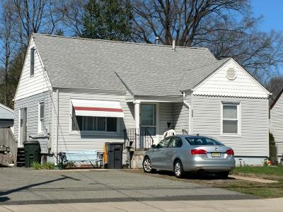 Hazlet Single Family Home For Sale: 275 Laurel Avenue