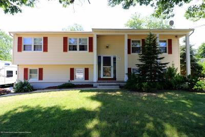 Toms River Single Family Home For Sale: 537 Signal Lane