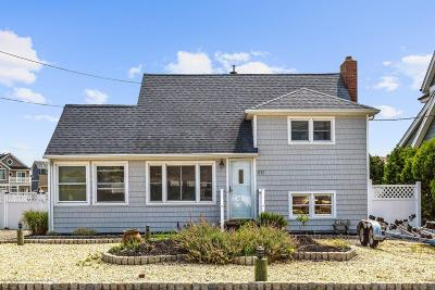 Point Pleasant Single Family Home For Sale: 1712 Certainty Drive