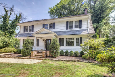 Rumson Single Family Home For Sale: 183 Rumson Road