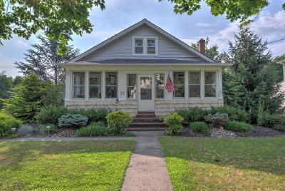 Manalapan Single Family Home For Sale: 11 Conover Street