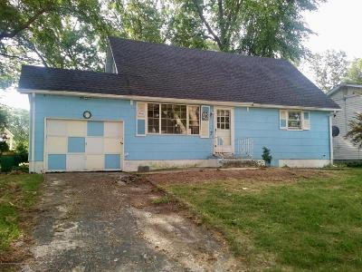 Jackson Single Family Home For Sale: 7 Rutgers Road