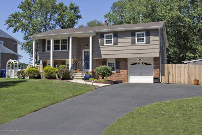 Toms River Single Family Home For Sale: 524 Kingsley Court