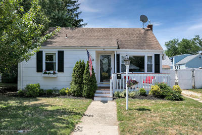 Middletown Single Family Home Under Contract: 6 Collins Avenue