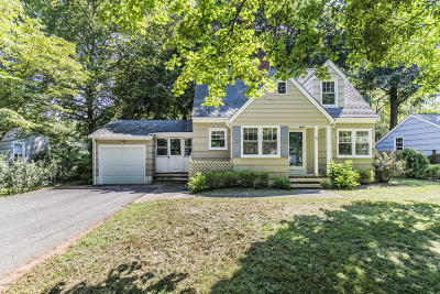 Colts Neck Single Family Home For Sale: 40 New Street