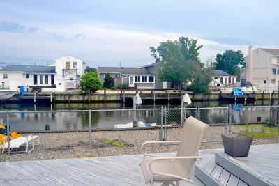 Toms River Single Family Home For Sale: 2515 Hiering Road