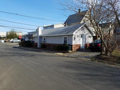 Multi Family Home For Sale: 193 Bay Avenue