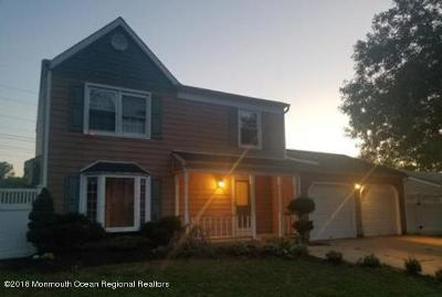 Monmouth County Single Family Home For Sale: 43 Concord Circle