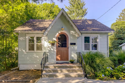 Atlantic Highlands Single Family Home Under Contract: 102 Wesley Avenue