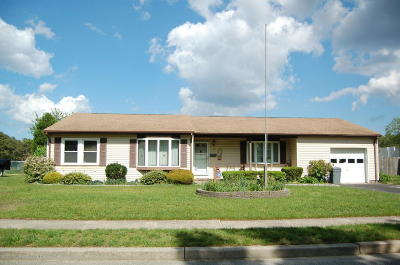 Ocean County Single Family Home For Sale: 10 Lafayette Court