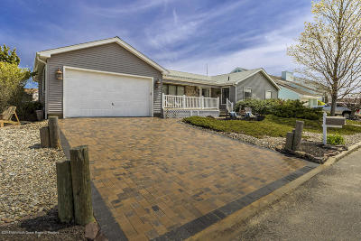 Ocean Single Family Home For Sale: 601 Alans Way
