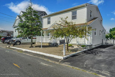 Toms River Single Family Home For Sale: 727 Charlotte Street