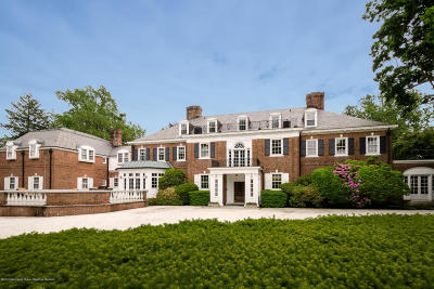 Rumson Single Family Home For Sale: 114 Rumson Road