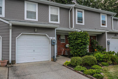 Eatontown Condo/Townhouse For Sale: 52 Birch Lane
