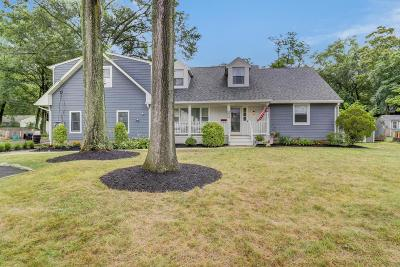Middletown Single Family Home For Sale: 27 York Avenue