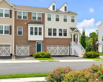 Eatontown Condo/Townhouse For Sale: 112 Beacon Lane