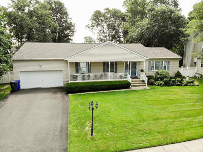 Brick Single Family Home For Sale: 271 Duck Pond Lane