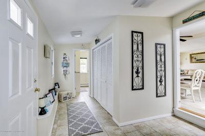 Brick Single Family Home For Sale: 26 E Esplanade