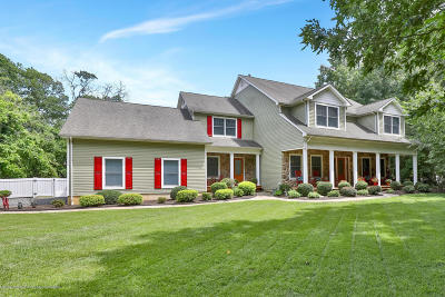 Toms River Single Family Home For Sale: 703 White Cedar Drive