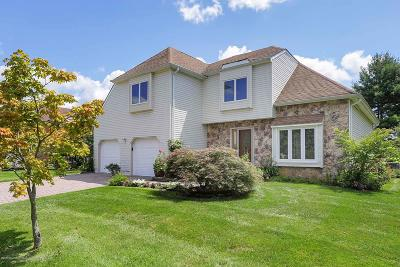 Holmdel Single Family Home For Sale: 26 Bayberry Drive