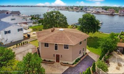 Toms River Single Family Home For Sale: 39 Tobago Avenue