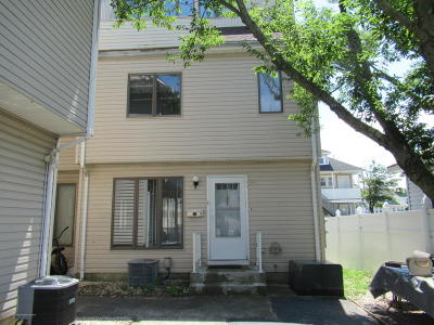 Seaside Heights Condo/Townhouse For Sale: 231 Sumner Avenue #D4