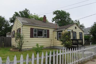 Middletown Single Family Home Under Contract: 144 Bray Avenue