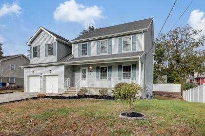 Beachwood Single Family Home For Sale: 416 Halliard Avenue