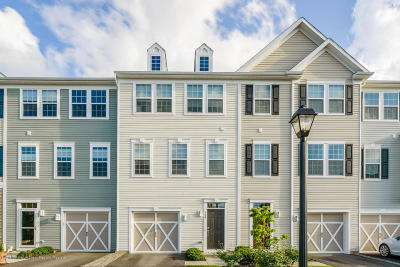 Eatontown Condo/Townhouse For Sale: 106 Halliard Drive #803