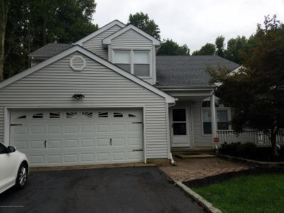 Eatontown Single Family Home For Sale: 67 Nottingham Drive