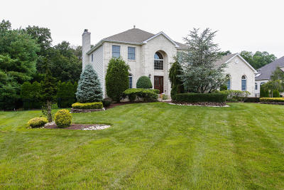 Freehold NJ Single Family Home For Sale: $825,000