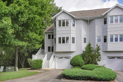 Toms River Condo/Townhouse For Sale: 81 Orchid Court #8C1