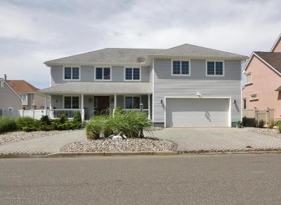 Toms River Single Family Home For Sale: 3324 Long Point Drive