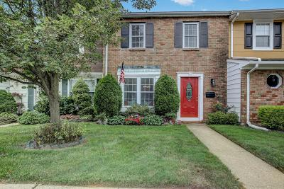 Freehold Condo/Townhouse Under Contract: 71 Kingsley Way