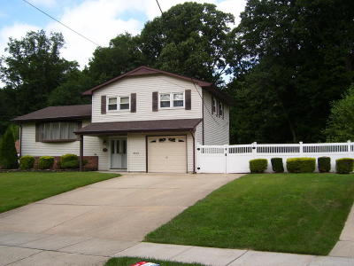 Aberdeen, Matawan Single Family Home For Sale: 22 Marc Drive