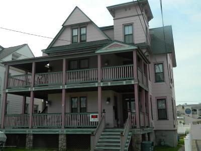 Point Pleasant Beach Multi Family Home For Sale: 104 New York Avenue